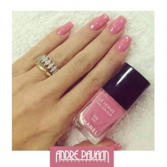 Esmalte May da Chanel.