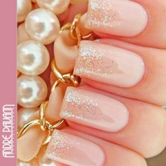 glitter ombre nude nails